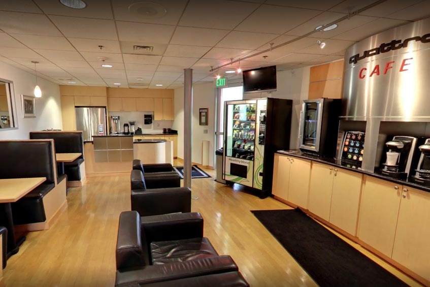 Audi Coral Springs - customer lounge